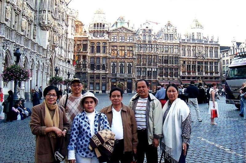 Berkunjung ke Belanda